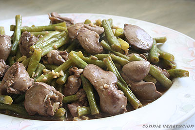 Chicken livers and string beans