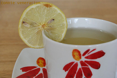casaveneracion.com honey-lemon drink