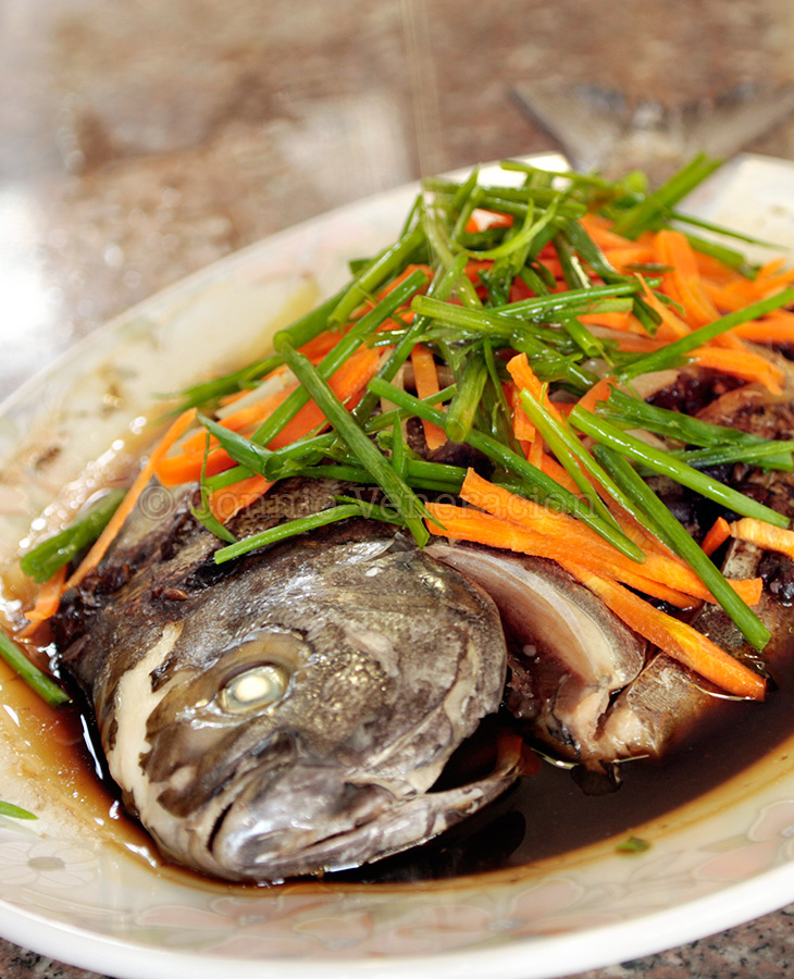 Steamed whole fish with black bean sauce | casaveneracion.com