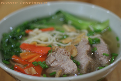 casaveneracion.com Pork and vegetables mami (noodle soup)