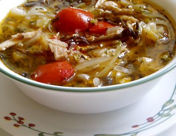 Chicken, tomatoes and cabbage soup