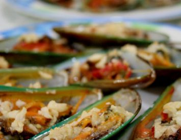 Baked tahong (mussels)