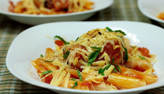 casaveneracion.com Chicken and pasta with white wine and Edam cheese