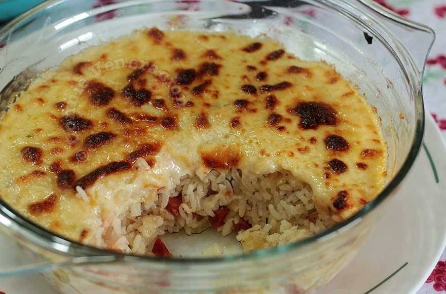 Cheesy Baked Rice With Parsley, Sage, Rosemary and Thyme ...