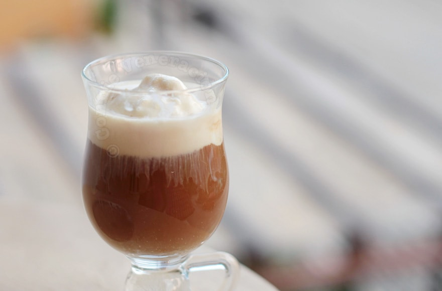 Chocolate Caramel Coffee Float | casaveneracion.com