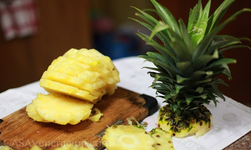 How to skin and cut a whole pineapple