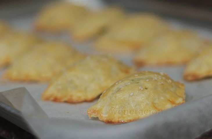 casaveneracion.com Pork curry empanada