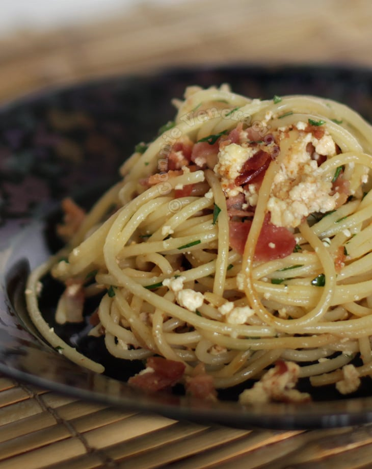 casaveneracion.com Spaghetti with bacon and ricotta