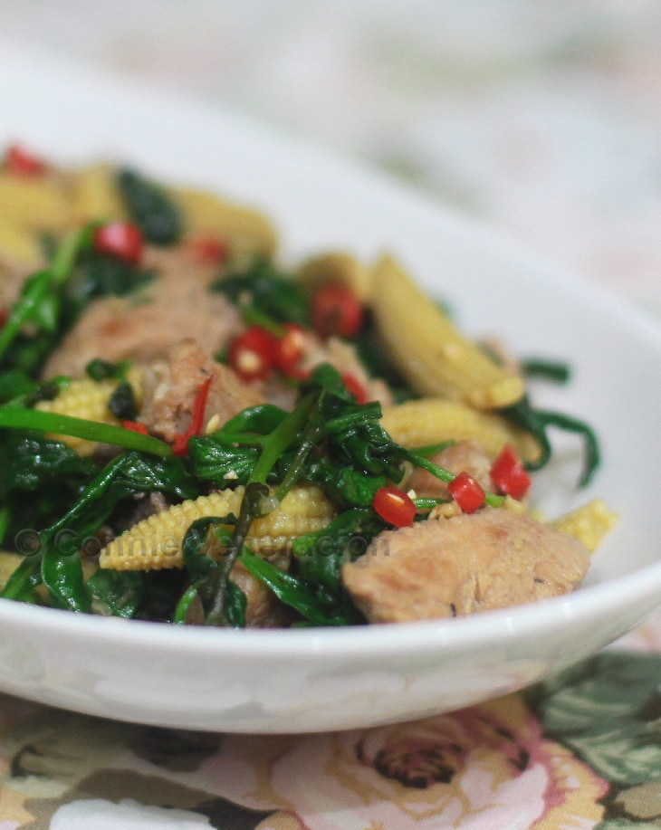 casaveneracion.com Ginger pork with spinach and baby corn