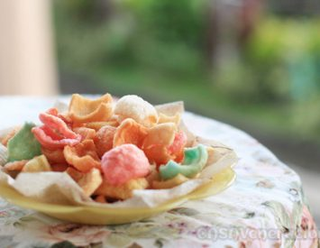 How to fry prawn crackers (shrimp puffs)