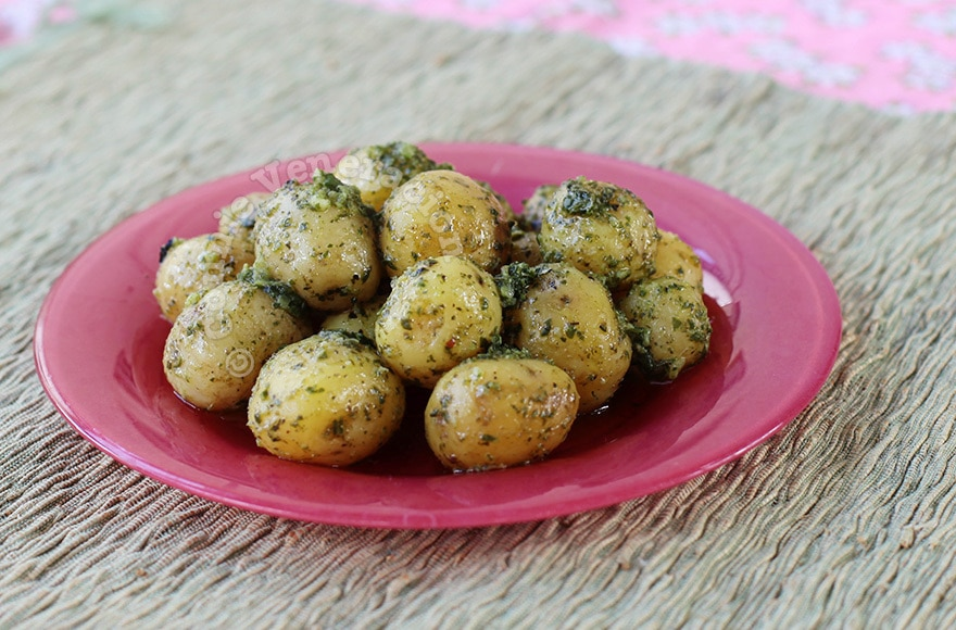 Pesto Baby Potatoes | casaveneracion.com