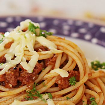 "How to make a very ""meaty"" pasta sauce with very little meat"