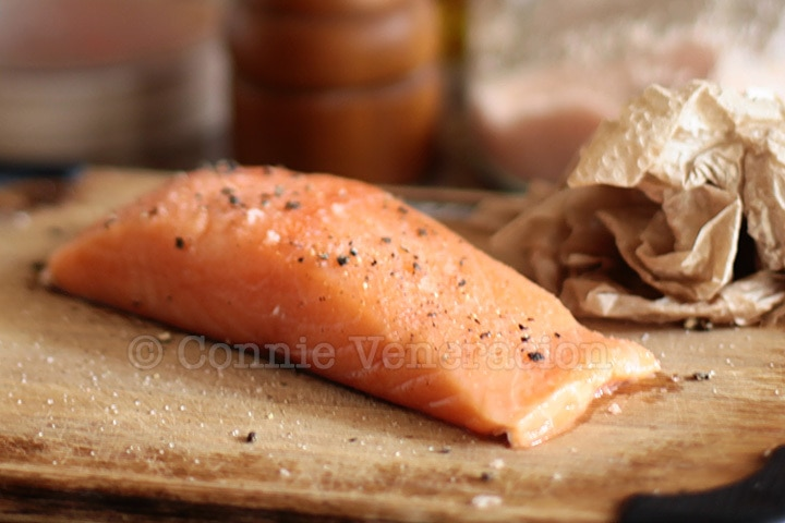 Pan grilled salmon fillet with lemon butter garlic sauce for How to grill fish fillet