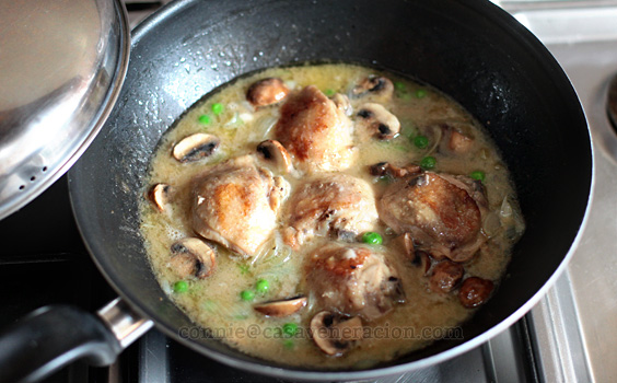 20-minute chicken, mushrooms and peas dinner