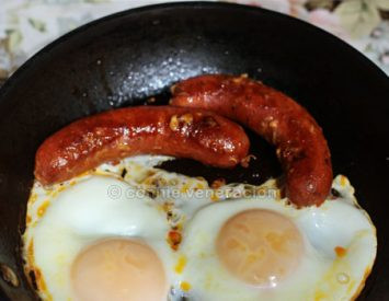 An eggs and sausages breakfast tip