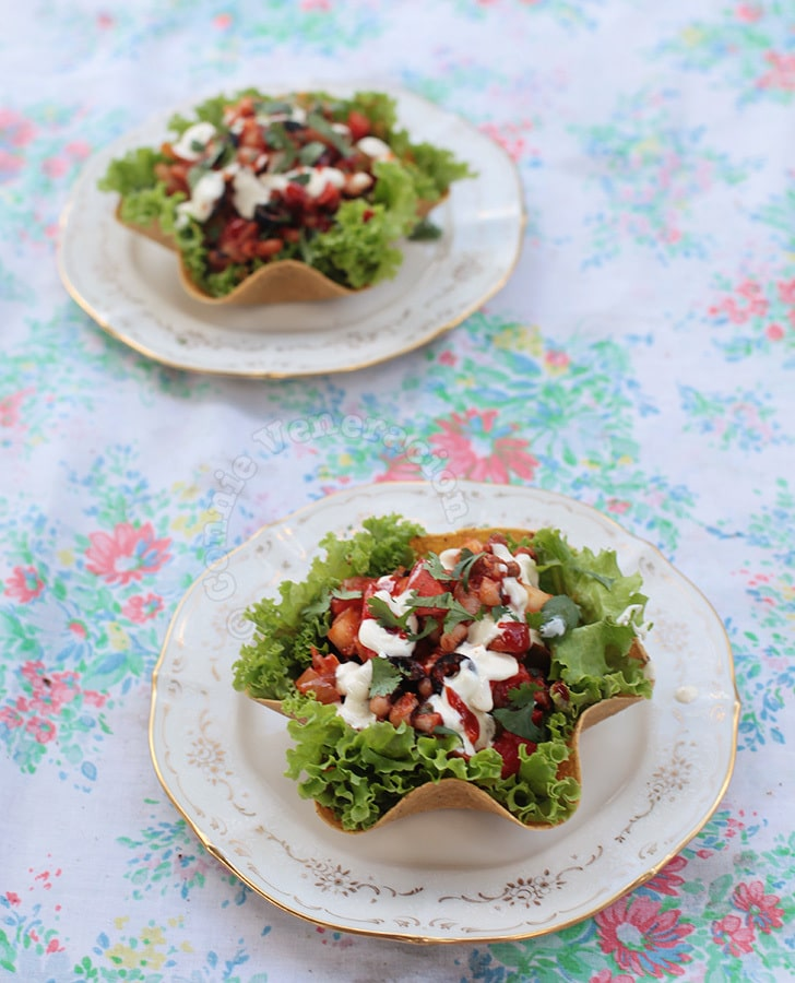 Chili salad in corn tortilla cups