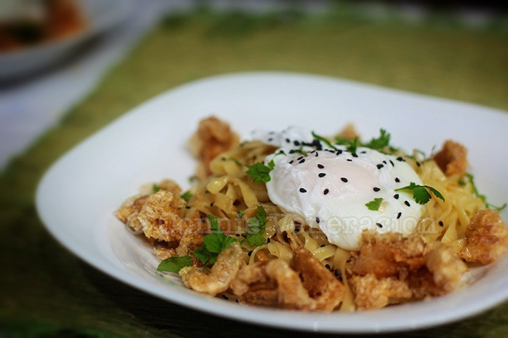 Chicharrón (Pork Cracklings) and Egg Mazemen