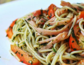 Capellini, tomatoes and ham with basil and garlic sauce