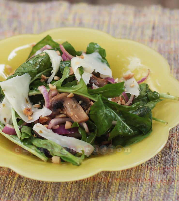 Arugula and mushrooms salad with honey-balsamic vinaigrette | CASA ...