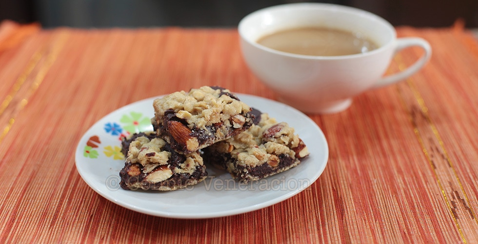 Sam baked revel bars and I wondered where this dessert originated | casaveneracion.com