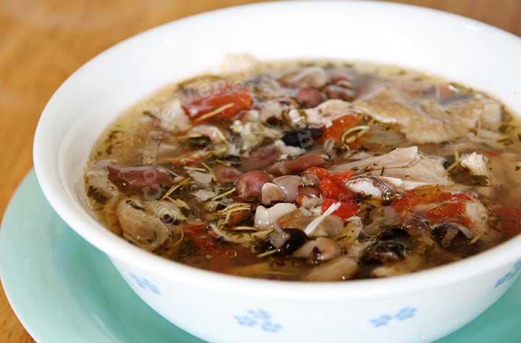 Herbed Chicken and Beans Soup