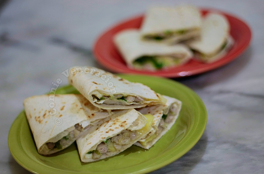Chicken and Pesto Quesadillas | casaveneracion.com