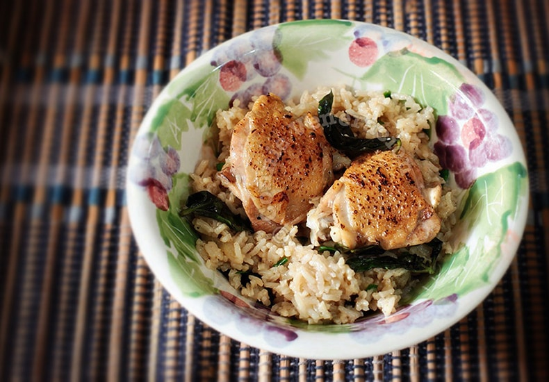 Seared Chicken With Spiced Basil Rice | casaveneracion.com