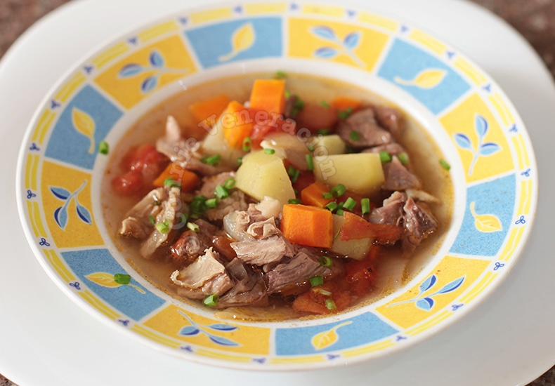 Slow Cooker Filipino Picadillo Soup | casaveneracion.com