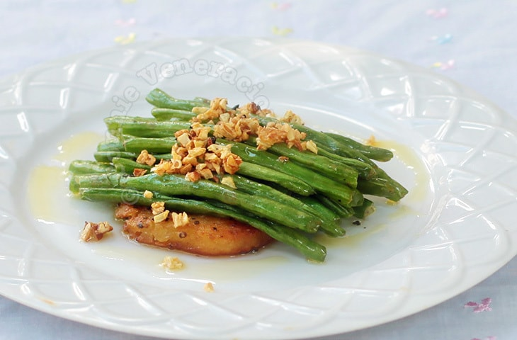 Green Beans With Lemon Garlic Sauce | casaveneracion.com
