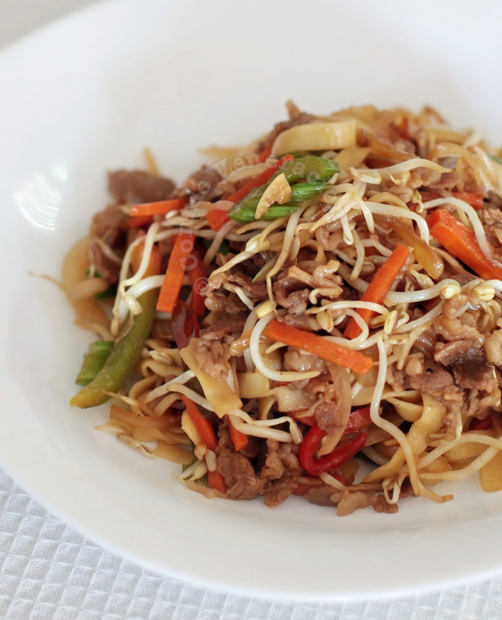Spicy Teriyaki Beef and Noodles Stir Fry