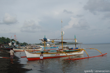 Balayan, Batangas: boats on the beach