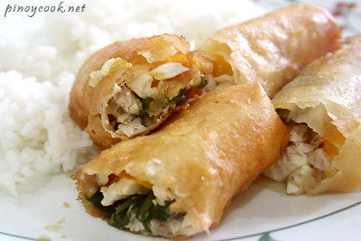 casaveneracion.com the cooked lumpiang tinapa at mangga (smoked fish and mango spring rolls)