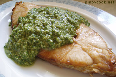 casaveneracion.com <em/>Home Cooking Rocks!&#39;s salsa verde&#8217; /></p><p>This is actually a no-cook sauce. I had some leftover ginger-peanut oil sauce (for the Chinese style white chicken we had recently) and I was wondering what to do with it. Peanut oil is too expensive to waste. I wondered what kind of sauce I&#8217;d have if I processed the leftover ginger-peanut oil sauce with garlic, lots of parsley, nuts, salt and pepper. Since I was the only one home for lunch last Monday, I decided to go ahead with it. If it turned out to be a disaster, I was the only one who would have to suffer eating it. Fortunately, it wasn&#8217;t a disaster. In fact, it was kinda great. Oh, alright, it was really fantastic. Spicy, tangy, full-bodied with lots of texture. I had it with pan-fried <i>talakitok</i>.</p><p><img class=