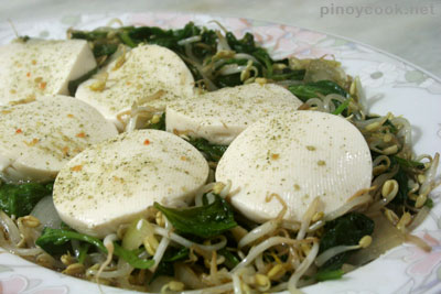 tofu, bean sprouts and spinach stir fry