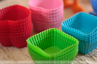 Holiday gift for the baker in your life: Silicon baking cups by Wilton