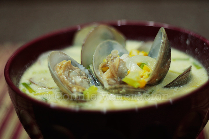 Creamy corn and clam soup | casaveneracion.com