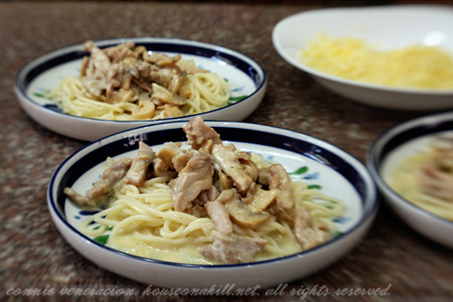 casaveneracion.com Chicken tetrazzini (Pasta with chicken and mushrooms in cream sauce)