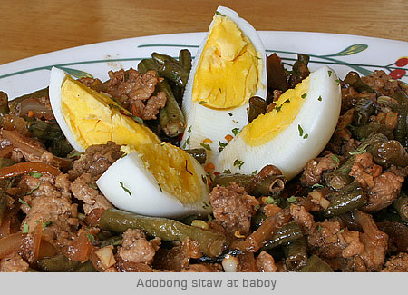 casaveneracion.com adobong sitaw (string beans) and ground pork