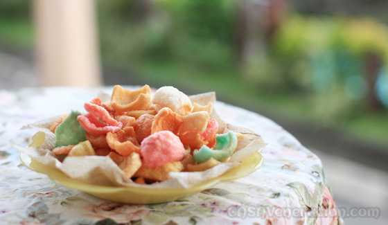 casaveneracion.com How to fry prawn crackers (shrimp puffs)