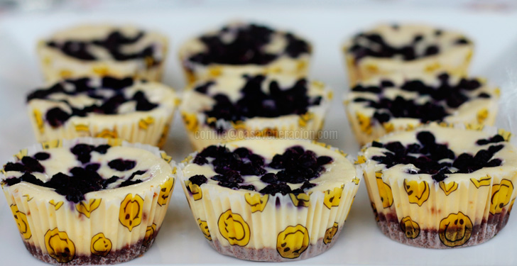 White chocolate and blueberry mini cheesecakes | casaveneracion.com