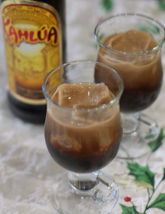 casaveneracion.com Frozen coffee cubes with Kahlua