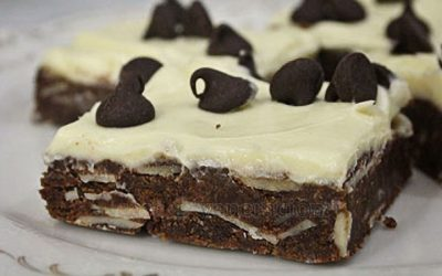 No bake chocolate-almonds-cream cheese cookie squares
