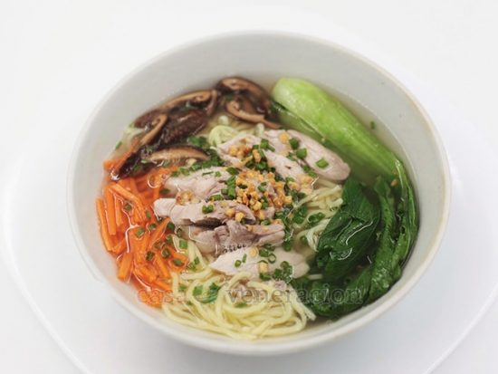 Chicken Mami (Chinese-style Noodle Soup)