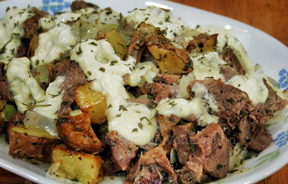 Beef and Potatoes With Sour Cream | casaveneracion.com