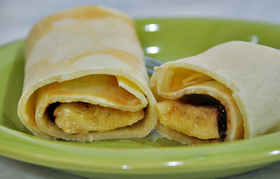Crepes With Bananas and Guava Jelly Filling | casaveneracion.com