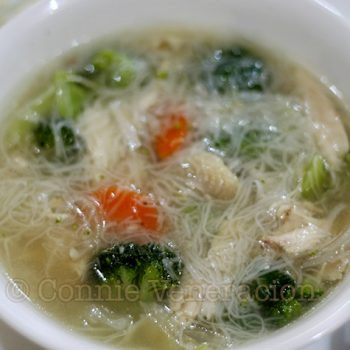 Chicken soup with broccoli and misua