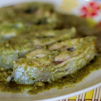 Fish steaks with homemade pesto