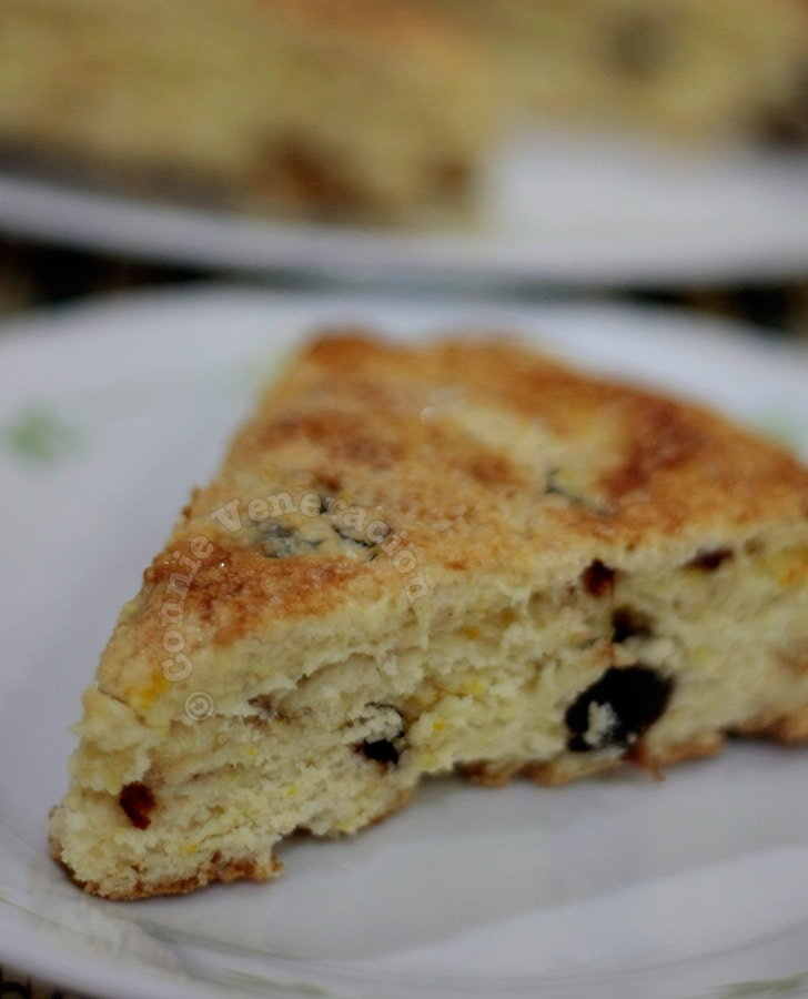 Scones with preserved plums