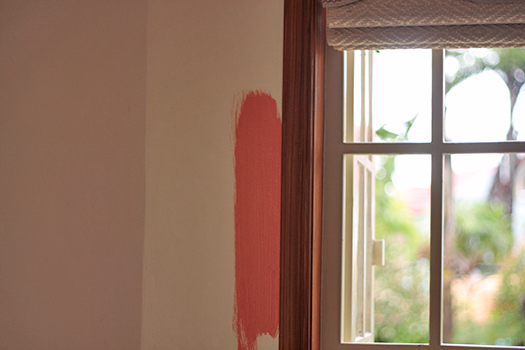 casaveneracion.com Paint swatch by the window