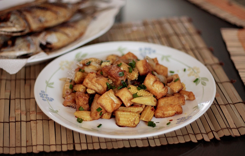 Tofu and baby corn stir fry | casaveneracion.com